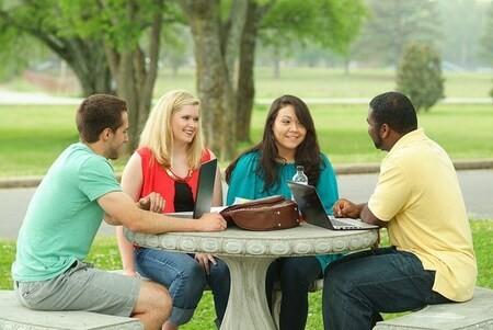 Étudiant.e.s et des doctorants.e.s : répondez à la consultation de l'AUF !