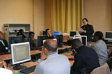 COVID-19 : des ressources en ligne pour assurer la continuité pédagogique (AUF)