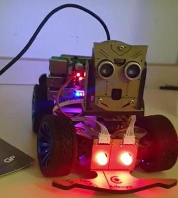 Intelligence artificielle : le Camerounais Yannick Edouard Mekongo fabrique le robot Pi-car b Mars rover